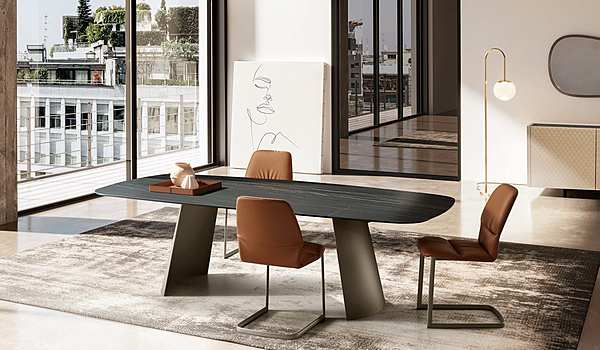 The Eforma DN41M table