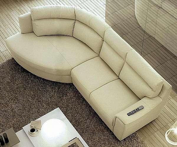 Couch NICOLINE SALOTTI MICRON PICCOLA SARTORIA HISTORY